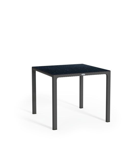 Dining table with HPL tabletop
